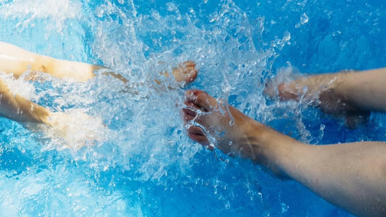 Schwimmbad Füllen