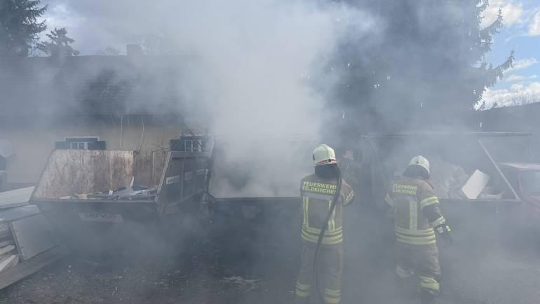 Containerbrand im Ortsgebiet